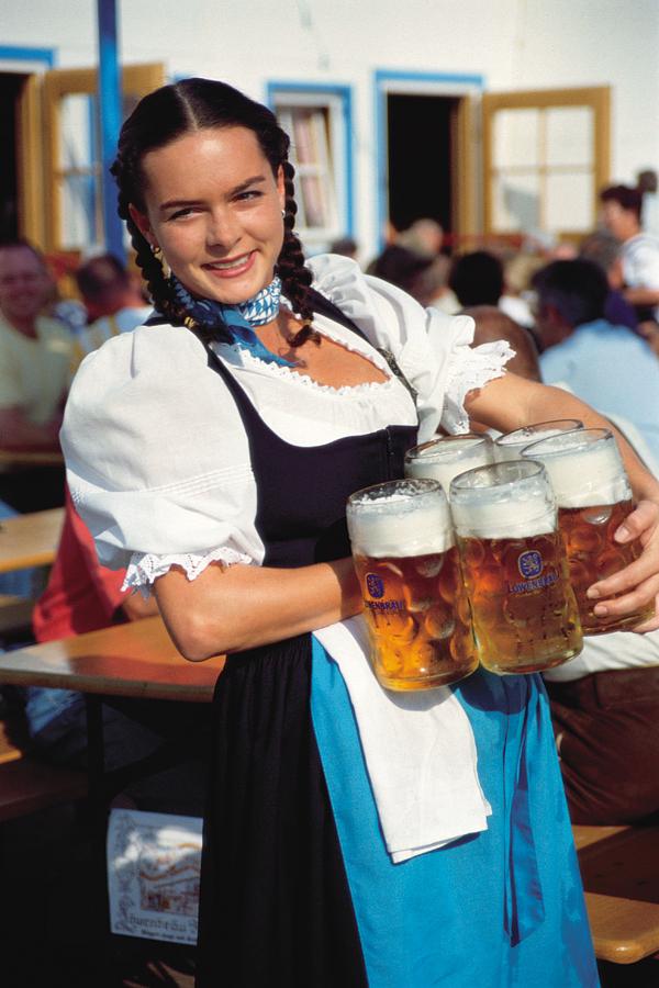 ...а кому пива баварского?