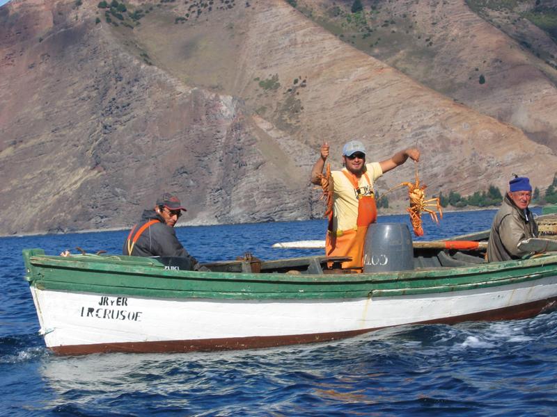 Ловля лобстеров возле острова Робинзона Крузо Хуан-Фернандес (Juan Fernandez)