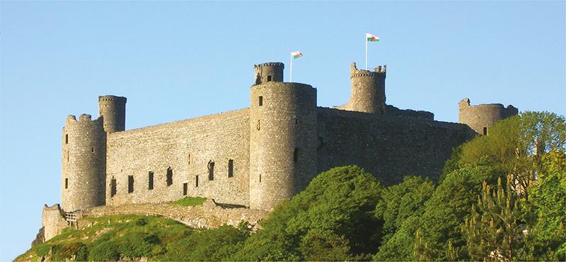 Башни замка Харлек. Великобритания