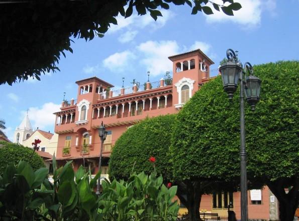 Площадь в Каско-Вьехо